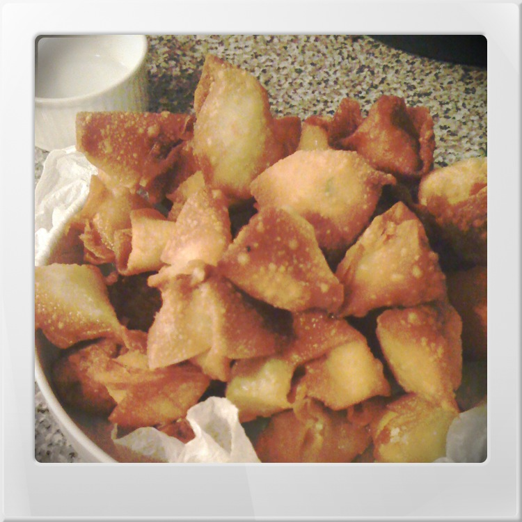 Recipe :: Crab Rangoon + Sweet & Sour Sauce